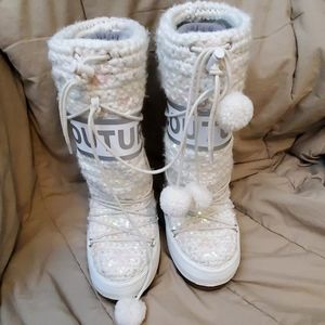 Juicy Couture Size 10 sparkly Boots